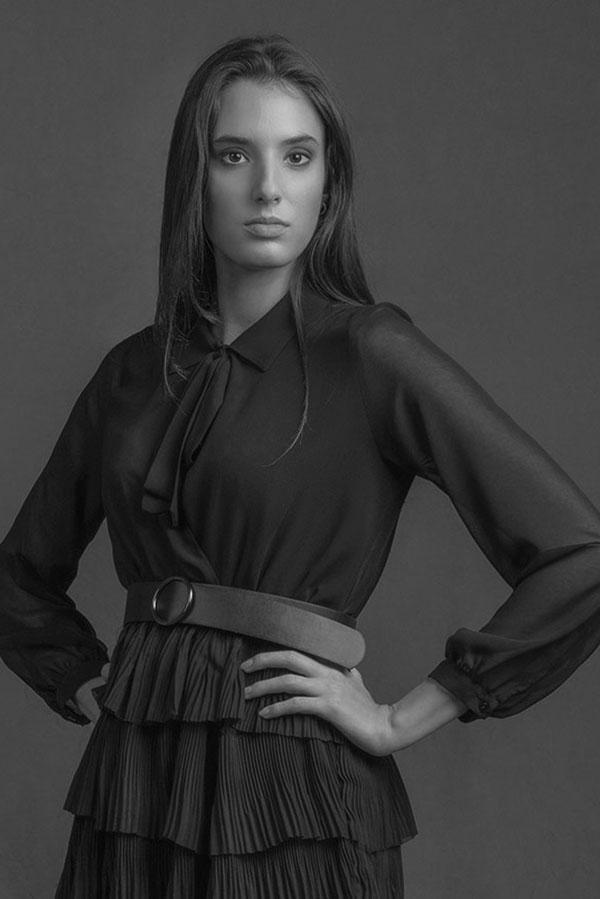 Marina-modella-alpi-fashion-bn